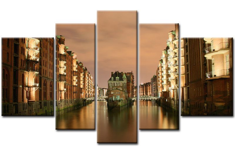 hamburg speicherstadt beleuchtet. Black Bedroom Furniture Sets. Home Design Ideas