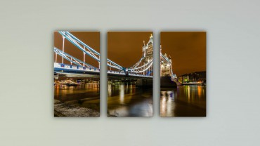 Leuchtende Tower Bridge UK – Bild 1